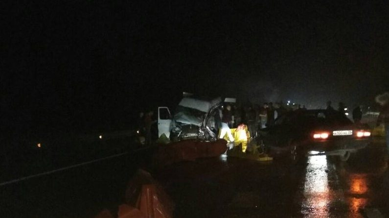 На трассе Калининград-Черняховск под Гвардейском в результате ДТП погибли 8 человек, ехавших в пассажирском микроавтобусе.