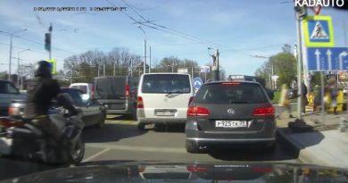 Лайфхак: как сэкономить 10 минут и не стоять в пробке перед кольцом на 9 Апреля в Калининграде.